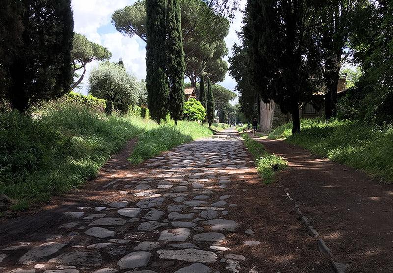 Via appia fietsen de oudste weg naar rome for Cioccari arredamenti via appia
