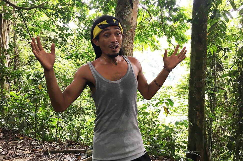 Jungle tourguide Wisnu
